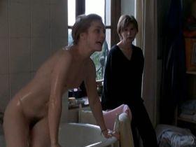 Natacha Regnier nude, Sandrine Kiberlain nude - Tout va bien, on s'en va (2000)