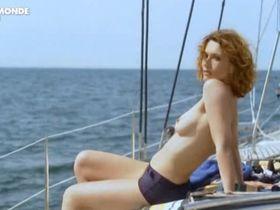 Natacha Lindinger nude - Le repenti (2009)