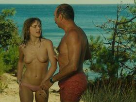 Agnes Soral nude - Un moment d'égarement (1977)