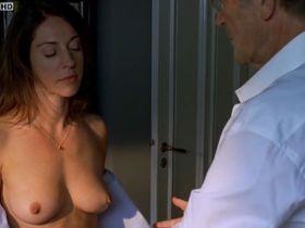 Ulrike C. Tscharre nude - Letzter Moment (2010)