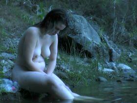 Tatiana Becquet Genel nude - Les chiens jaunes (2009)