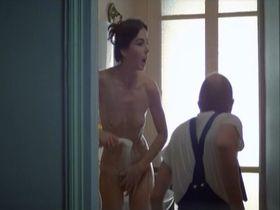 Therese Liotard nude - Viens chez moi, j'habite chez une copine (1981)
