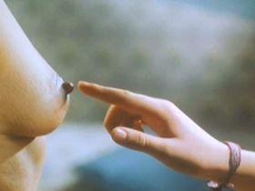 Maria Luisa San Jose nude, Cristina Espinosa nude - Pajarico (1997)