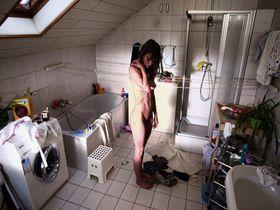 Alexandra Finder nude - Die Frau des Polizisten (2013)
