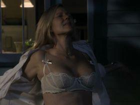 Laura Linney nude, Cynthia Nixon nude - The Big C. s01-02 (2010-2011)