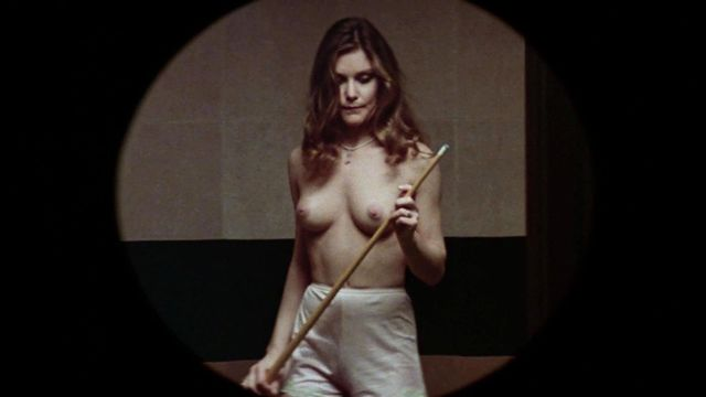 dee wallace topless