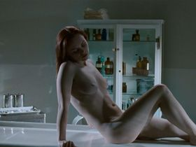 Christina Ricci nude - After.Life (2009)