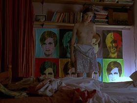 Kelly MacDonald nude, Pauline Lynch sexy - Trainspotting (1996)