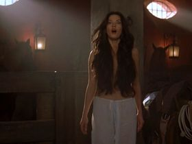 Catherine Zeta-Jones nude - The Mask of Zorro (1998)