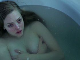 Amanda Seyfried sexy - Fathers and Daughters (2015)