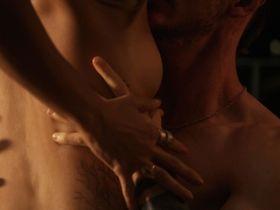 Jessica Szohr sexy - Kingdom s02e02 (2015)