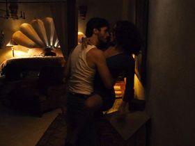 Jennifer Lopez sexy - Bordertown (2006)