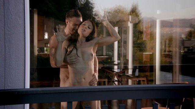 Nude Video Celebs  Leah Gibson Nude - Rogue S01E03 2013-3006