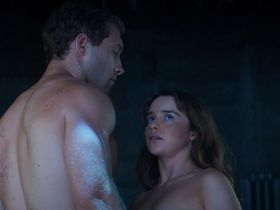 Emilia Clarke sexy - Terminator Genisys (2015)