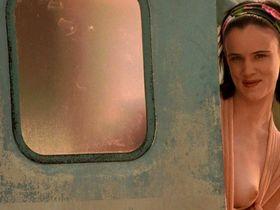 Juliette Lewis nude - Kalifornia (1993)