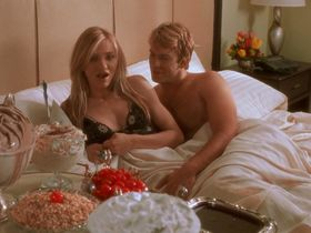 Cameron Diaz sexy, Christina Applegate sexy - The Sweetest Thing (2002)