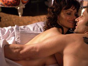 Carla Gugino sexy - Californication s04e07 (2011)