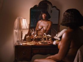 Queen Latifah nude - Bessie (2015)