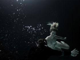 Gemita Samarra nude - Pressure (2015)