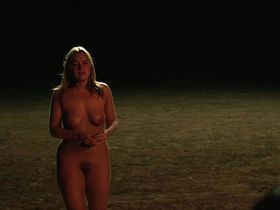 Kate Winslet nude - Holy Smoke (1999)