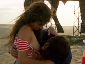 Penelope Cruz nude - Jamon Jamon (1992)