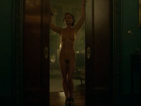 Christina Ricci nude - Z The Beginning of Everything s01e04 (2017)