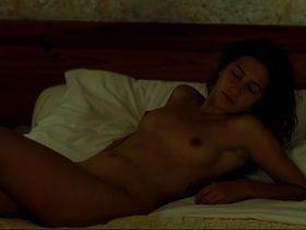 Lola Creton nude - Un amour de jeunesse (2011) #2