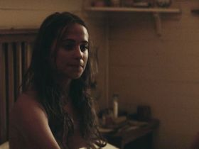 Alicia Vikander sexy - The Light Between Oceans (2016)