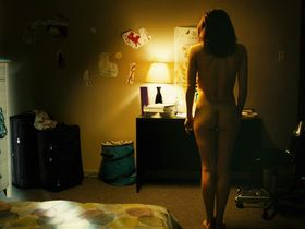 Ali Cobrin nude - Girlhouse (2014)