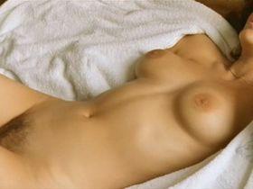 Marion Cotillard nude - Les jolies choses (2001)