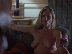 Julianne White nude - Sexy Beast (2000)