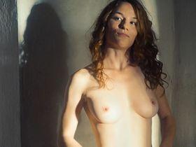Valerie Pachner nude - Egon Schiele Tod und Madchen (2016)