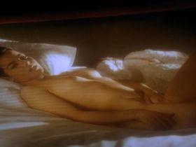 Alexandra Winisky nude - L'ange noir (1994)