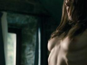 Alice Dwyer nude - Una vita tranquilla (2010)