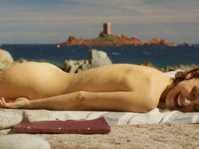 Natalie Portman nude - Planetarium (2016)