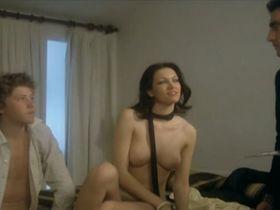 Maria Luisa San Jose nude - El diputado (1979)