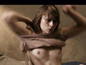Tabea Bettin nude - Pavels letzter Schuss (2011)