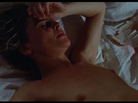 Julie Christie nude - Don't Look Now (1973)