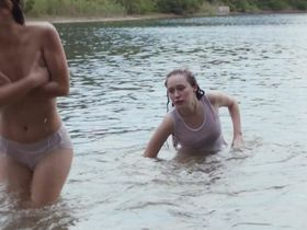 Alycia Debnam-Carey sexy, Adelaide Kane sexy, Katie Garfield sexy - The Devil's Hand (2014)