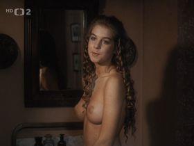 Sabina Laurinova nude - Czarny wawoz (1989)