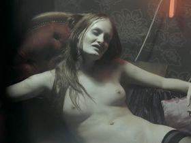 Gabriela Cerna nude - Cirkus Bukowsky s01e02 (2013)