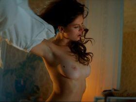 Bo Maerten nude, Maartje van de Wetering sexy - Ron Goossens, Low Budget Stuntman (2017)