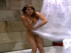 Erika Sanz nude - Mis adorables vecinos s01 (2004)