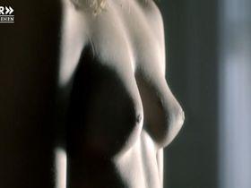 Lisa Maria Potthoff nude, Mathilde Bundschuh nude - Der Usedom-Krimi (2014)