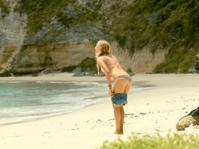 Blake Lively sexy - The Shallows (2016)