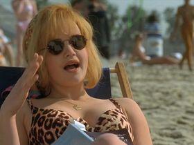 Carla Gugino sexy, Tiffani-Amber Thiessen sexy - Son in Law (1993)