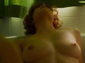 Carla Juri nude - Feuchtgebiete (2013)