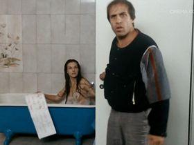 Carole Bouquet nude - Bingo Bongo (1982)