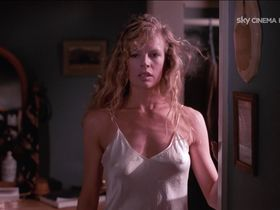 Kim Basinger sexy - My Stepmother is an Alien (1988)