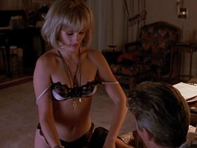 Julia Roberts nude - Pretty Woman (1990)